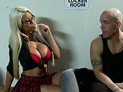 Big tits at school meet up in lock room