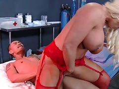Showing her pussy and pov blowjob from petite Naomi