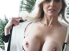 Busty milf gets naked for a quick self touch