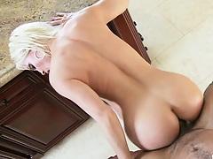 Diamond Foxx anus streching from hard anal