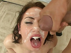 Facial cumshot and bukkake on Sarah Shevon face